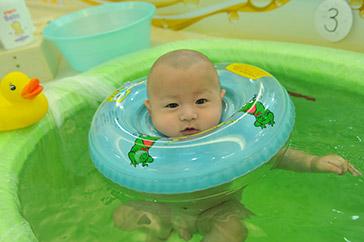 我是游泳小健将-远东儿保环境