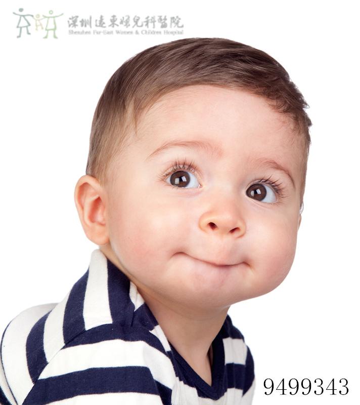 宝宝抿嘴唇