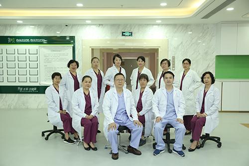产科医生团队