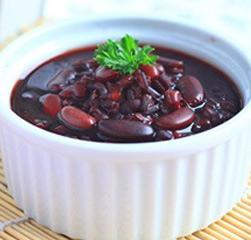 补血养颜:美味薏仁红豆汤